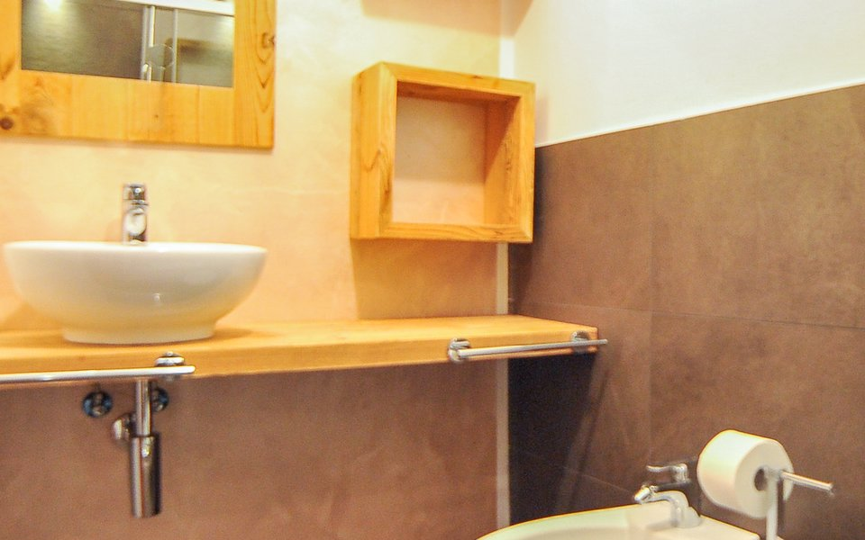 4 il bagno della camera cappuccetto rosso w