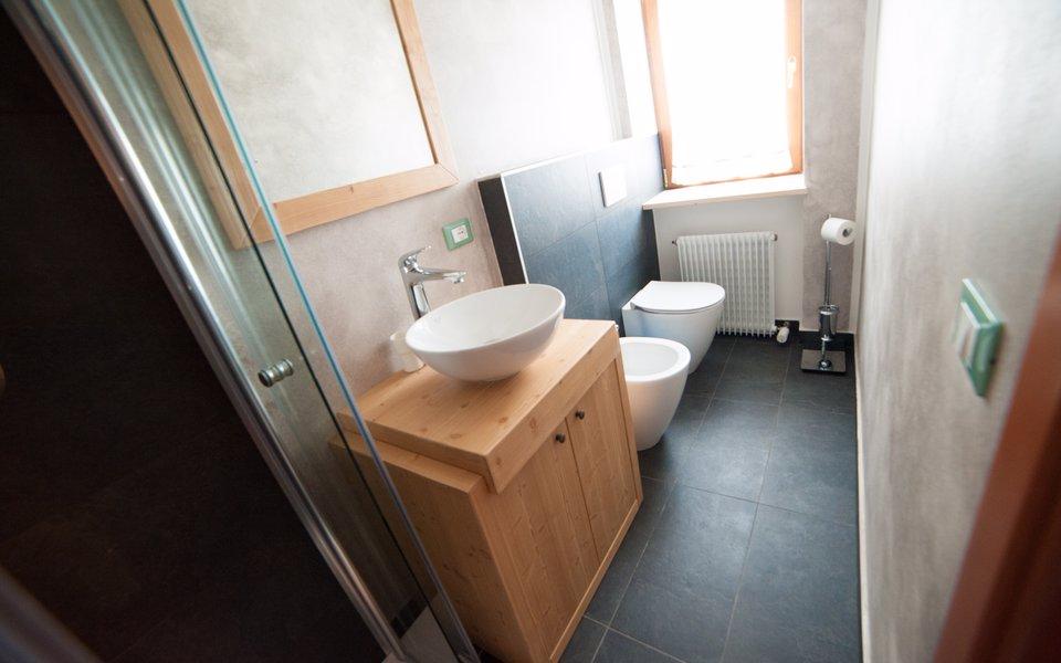 camera mammolo bagno w