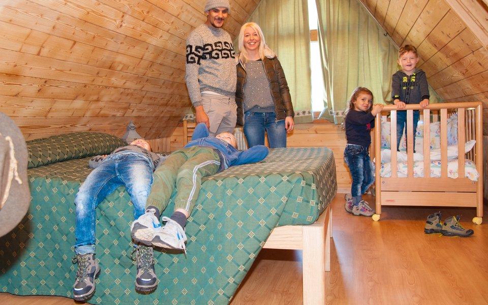 camera peter famiglia con bambini w